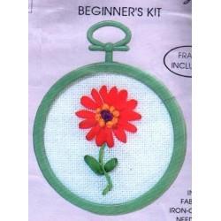 Szalaghímzés szett kerettel 5,5 cm RE1 Piros virág