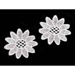 Varrható csipkevirág 5 cm fehér
