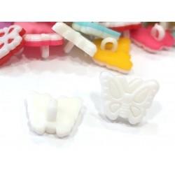 Babagomb 1,3x1,5 cm pillangó fehér