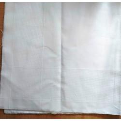 Hímezhető betétes terítő 90x90 cm szegetlen
