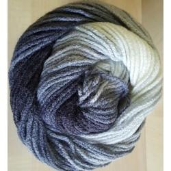 Burcum Batik fekete/fehér 100 g